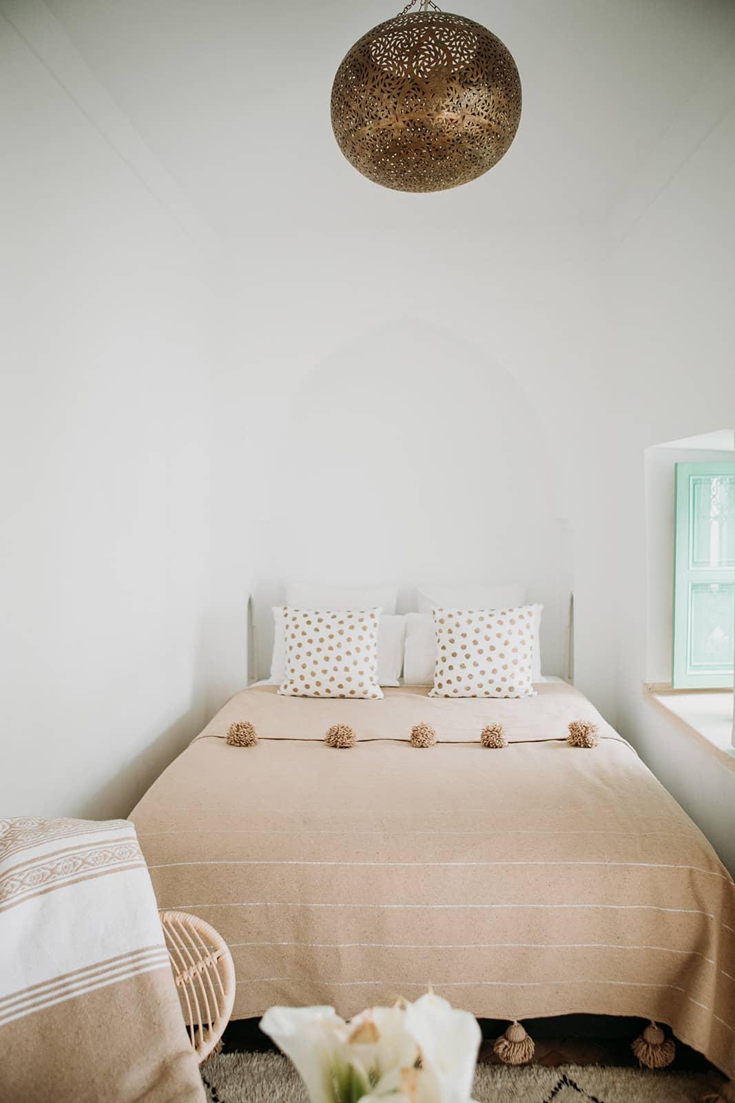 Queen Size Bed Petit Patio Room